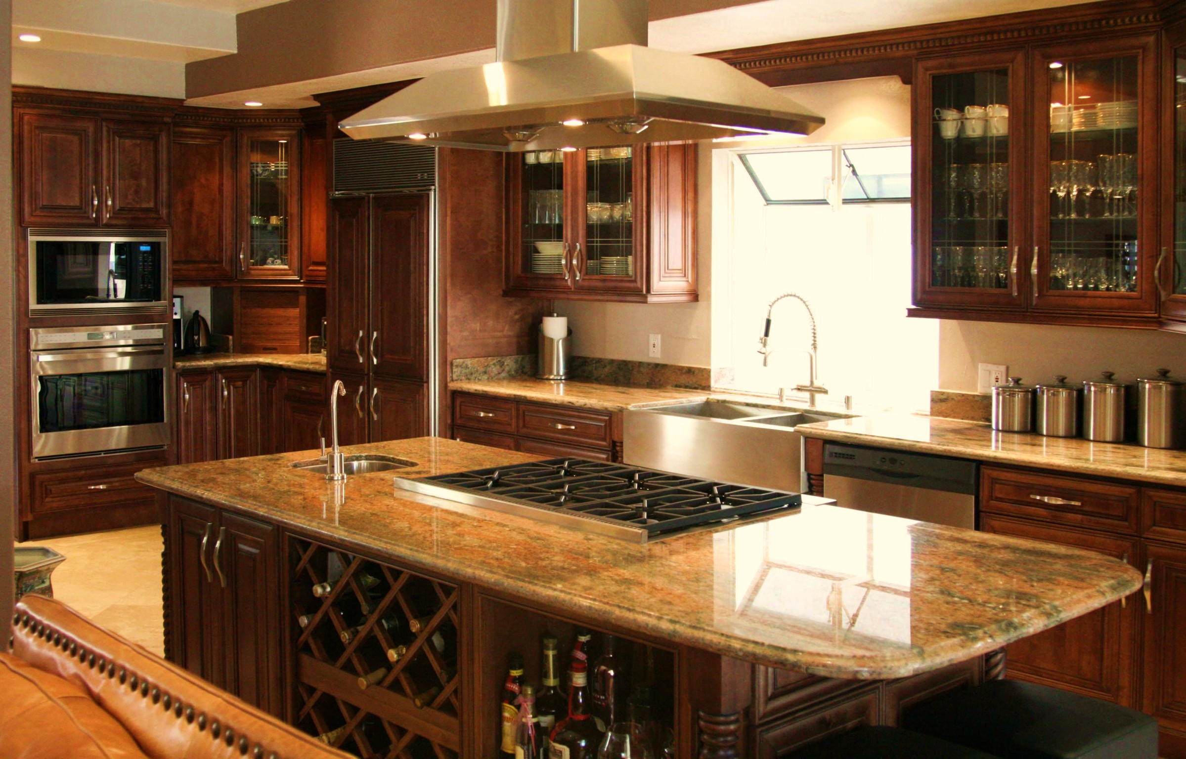 Kitchen remodelling for Dark cabinet kitchen ideas